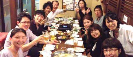 2013年10月1日付で当研究分野の髙木先生が北海道大学 電子科学研究所 生命動態研究分野・准教授としてご栄転されました。盛大にお祝いしました。(2013.9.20)